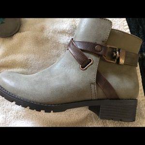 I love comfort boots
